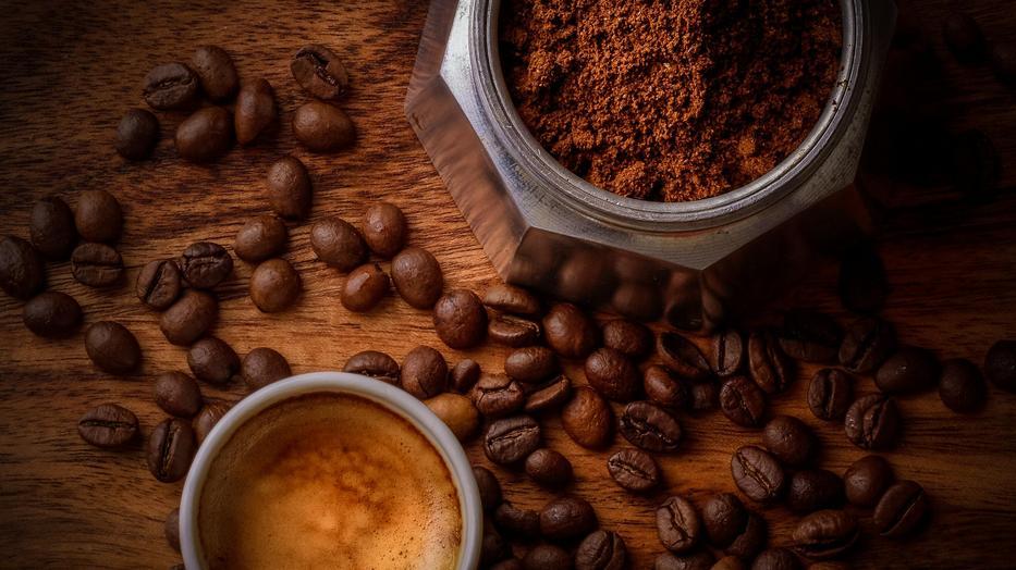 a koffeinmentes kávé miatt fogyni kell?